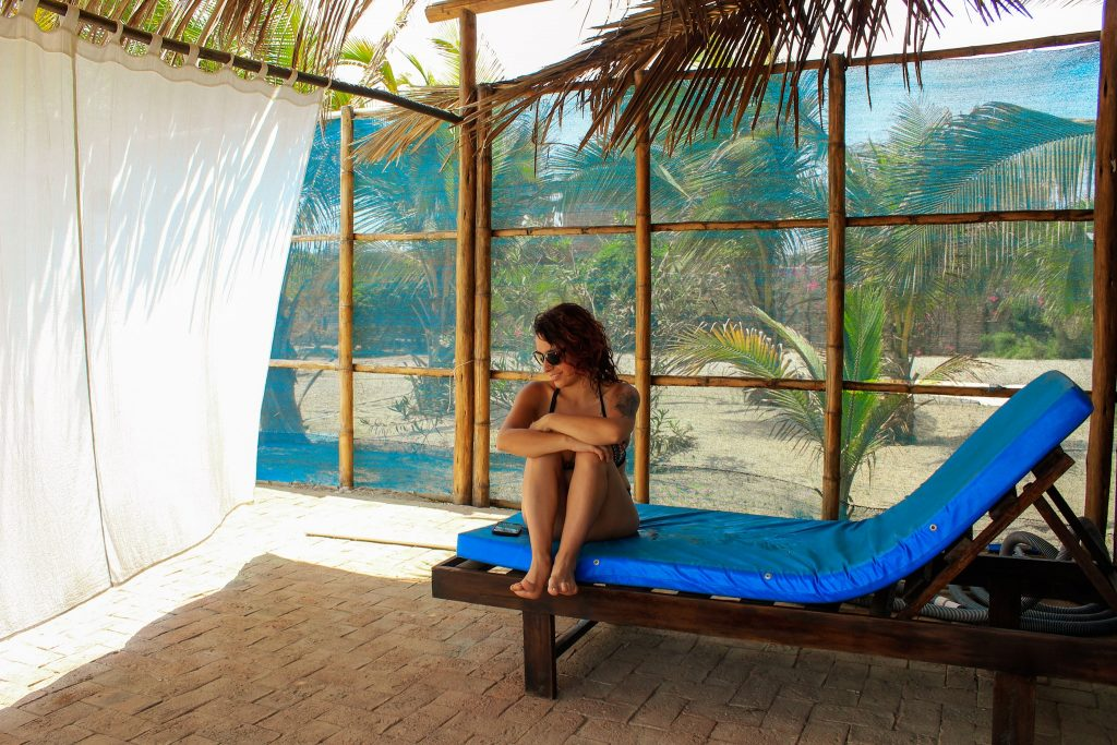 chica relax in punta pacífico bungalows hotel en Máncora